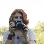 donna che fa foto